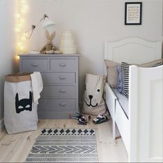 Such a cute room by @jessiwilce showing both our fabric and paper bag. The fabric bag has been very popular so we only have a few left in stock. Find it here www.tellkiddo.com