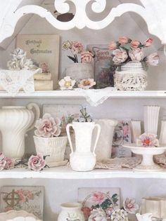 Shabby Chic Decor Archives - Home Style Corner Shabby Chic Mode, Shabby Chic Kitchen, Vintage Shabby Chic, Shabby Chic Style, Shabby Chic Decor, Vintage Vases, Cottage Chic, Romantic Cottage, Romantic Homes