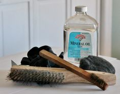 Tools for Removing Rust wire brushes, steel wool, mineral oil Deep Cleaning Tips, Cleaning Recipes, Diy Cleaning Products, Cleaning Hacks, Remove Rust From Metal, Removing Rust, How To Clean Rust, How To Remove Rust, Cleaning Rusty Tools