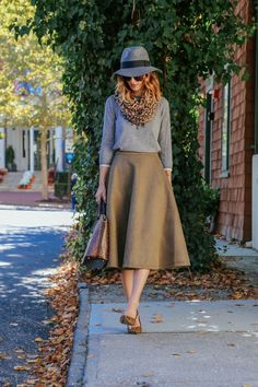 FEMININE STYLE FOR FALL wearing @chicwish midi skirt @solesociety leopard scarf and @brahmin snakeskin bag