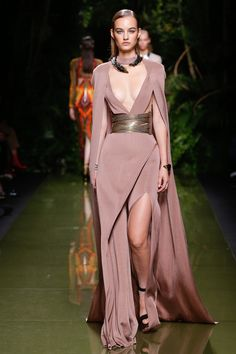 Balmain Spring 2017 Ready-to-Wear Fashion Show - Maartje Verhoef (Women)