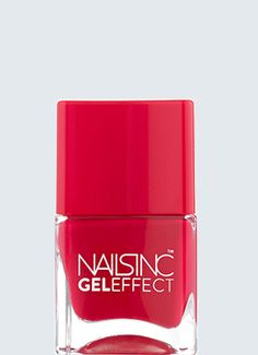 Create an ultra glossy, high shine Gel effect finish with no UV lamp or soak off. This new and improved Gel effect formulation also features nourishing flower extract to help condition and strengthen the nails.