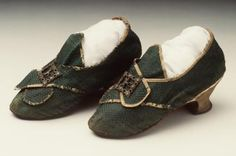 Buckle shoes, pair, womens, silk / leather / wood / metal, maker unknown, England, 1775-1780 - Powerhouse Museum Collection