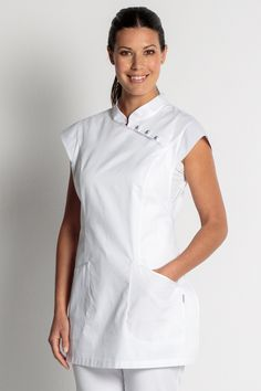 Imagem relacionada Spa Uniform, Uniform Shop, Uniform Dress, Beauty Uniforms, Medical Uniforms, Medical Design, Blazers, Maid Dress, Salon Design