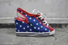 AMERICAN FLAG wedges 1980s stars and stripes by youngandukraine - StyleSays