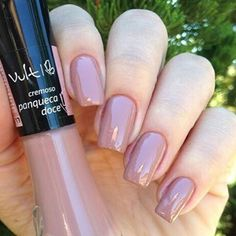 Cor : panqueca doce 💅🏻 #esmalte #unhas #vult #vultesmaltes #vultcosmetica #nails #nude #unhasnude