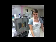 How to Make Fondant - Amanda Oakleaf Cakes