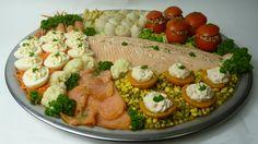 koude visschotel - Google zoeken Sushi Platter, Seafood Platter, Shrimp Recipes, Fish Recipes, Clean Eating, Healthy Eating, Dutch Recipes, Fried Fish, Appetizers For Party
