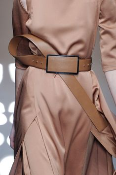 Gianfranco Ferré Fall 2013 - Details