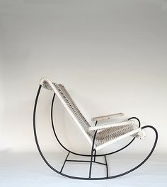 I would need two of these so I could sit in one and gaze at the other! Folding Furniture, Balcony Furniture, Modern Furniture, Furniture Design, Cheap Chairs, Cool Chairs, Small Leather Chairs, Double Rocking Chair, Chaise Chair