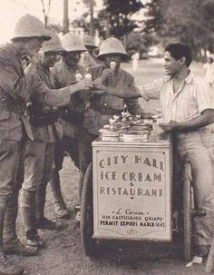 Japanese soldiers buy ice cream from a Filipino vendor in occupied Manila ( 1942 ) Filipino Art, Filipino Culture, Philippines Culture, Manila Philippines, Vintage Pictures, Old Photos, The Past, Ice Cream, Soldiers