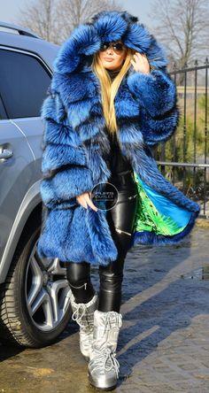 fox furs - exclusive royal saga fox fur fantastic fur coat fox !