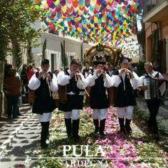 Profumi, suoni e colori di una tradizione unica al mondo #SantEfisio a #Pula   #SudSardegna #Sardegna #VisitPula #Sardinia #Discovering #VisitSouthSardinia #Suoni #Colori #Tradizioni #Folklore #SantEfisio2016   Seguici su: www.pula.it  www.facebook.com/Pula.it www.instagram.com/pula_it www.twitter.com/pula_it plus.google.com/+pulaitalia www.pinterest.com/pulait/  [ Ph. @SabrinaMudu ]