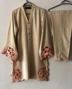 Kurti Embroidery Design, Embroidery Suits, Embroidery Fashion, Stylish Dress Book, Stylish Dresses For Girls, Fancy Dress Design, Stylish Dress Designs, Simple Pakistani Dresses, Pakistani Dress Design