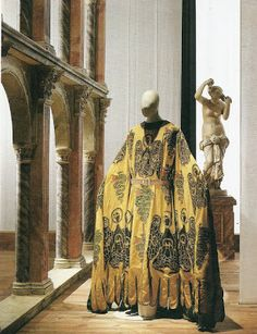 Mariano Fortuny stenciled velvet gown