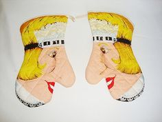 vintage face oven mitts by Sassydoggs on Etsy, $16.00