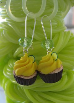 Polymer clay dangle earrings yellow summer by PieceOfCakeHJ, €14.00