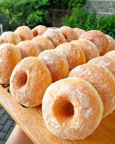 Delicious Donuts, Delicious Cake Recipes, Yummy Cakes, Sweet Recipes, Yummy Food, Donut Recipes, Snack Recipes, Dessert Recipes, Cooking Recipes