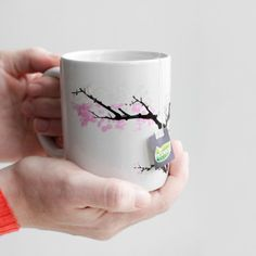 Heat sensitive blossom mug