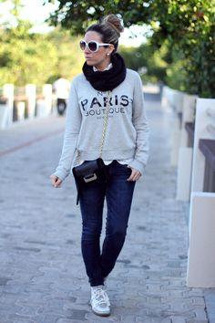 Comfy Paris Sweater <3 Mes Voyages a Paris fashion blog