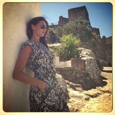 """Eva González - Blog 'Las Tentaciones de Eva' 2012/2013 Precioso el nuevo post """"Castillo de Castelar"""" del blog de Eva González. No os lo perdáis! http://las-tentaciones-de-eva.blogs.elle.es/2013/08/30/castillo-de-castellar/ #bloggersELLE ELLE España . Mono de Mango"""
