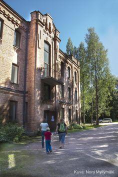 Nykyään yksityisomistuksessa oleva entinen Taka-kasarmin asuinalue, kuvassa Varuskunta rak. 42. Kuva: Nora Myllymäki