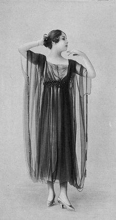 Les Modes (Paris) 1918 Robe de Diner par Redfern