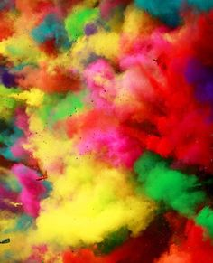 Holi Festival in India. Win a trip there with our #EscapeNow competition http://hwrld.cm/AwesomeEscape