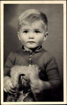 Foto Ak Kleiner Junge mit seinem Teddybären, Portrait | eBay