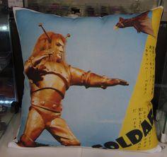 almofada Goldar - coleção classicos - japan heros - geek decor - 38x38cm