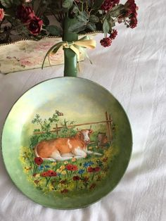 Decoupage and painting in a pan Woodworking Projects Diy, Diy Projects, Decoupage Art, Decoupage Ideas, Arte Country, Hanging Art, Flower Vases, Diy And Crafts, Decorative Plates