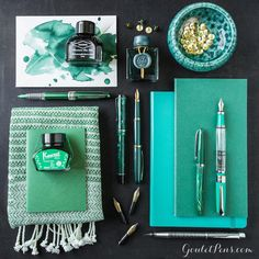 This week's Thursday Things celebrates all things emerald and gold! Inspired by #JHerbin Emerald of Chivor, this collection adds a little glamorous green glimmer to your writing. #OriginalCrownMill Classic Laid Envelopes with #Diamine Umber Diamine #Emerald #Platinum Plaisir Green #Midori Passport Refill #Kaweco Palm Green #Conklin Duragraph Forest Green #Platinum Balance Green #Leuchtturm1917 Notebook Emerald #Banditapple Handy Notebook Finland Pine #Edison nibs #Noodlers Nip Creaper Jade…