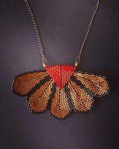 #beads #beading #beadwork #beadweaving #peyote #beadart #beadaholic #handmade #jewelry #handmadejewelry #fashionjewelry #instajewelry #necklace #handmadenecklace #unique #beunique #beadcollection #design #designjewelry #miyuki #delica #lipstickred #goldbronze #black #patrisha #masabeadedjewelry
