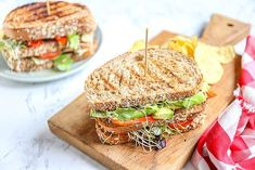 Sandwich and sandwich recipes - Great for lunch! - Tasty and Simple - B - Heerlijke meal Sandwiches, Sandwich Bar, Sandwich Recipes, Lunch Recipes, Fusilli, Pasta Arrabbiata, Salsa Pesto, Curry, Lunch Room