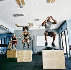 Former NFL star Demarcus Ware teamed up with trainer Jeanette Jenkins to share a series of challenging bodyweight workout moves. Mma Workout, Plyometric Workout, Plyometrics, Fitness Logo, Muscle Fitness, Quad Exercises, Back Squats, Lunges, Build Muscle