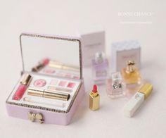 Miniature Crafts, Miniature Dolls, Doll Crafts, Cute Crafts, Accessoires Barbie, Diy Doll Miniatures, Barbie Dolls Diy, Mini Doll House, Barbie Doll Accessories
