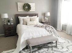 Cool 46 Adorable Farmhouse Style Master Bedroom Ideas. More at https://homenimalist.com/2018/04/02/46-adorable-farmhouse-style-master-bedroom-ideas/