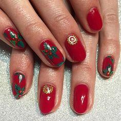 holiday nails ⛄️