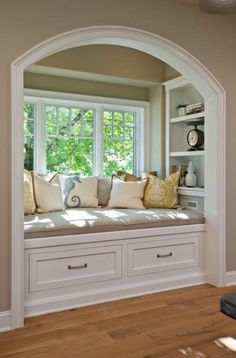 Books with Crafts To Match Time to fix up the ole house.redoing the window seat.Time to fix up the ole house.redoing the window seat. Sweet Home, Interior Styling, Interior Design, Cozy Nook, Cozy Corner, Cosy Bed, Parade Of Homes, My New Room, Home Fashion