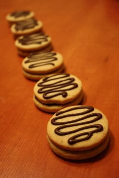 Gluténmentes csokoládés keksz Gluten Free Recipes, Free Food, Muffin, Cookies, Breads, Biscuits, Muffins, Cookie Recipes, Gluten Free Menu