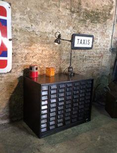 Ancien meuble de garagiste en métal(vendu)