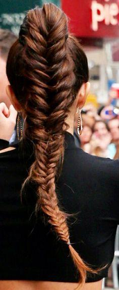 lovely fishtail braid.