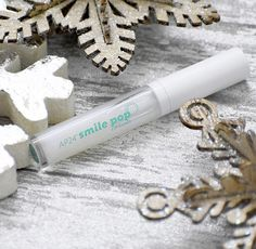 It's the season of SMILING 😁 So why not make your teeth appear brighter and whiter with my Smile Pop Lipgloss! Non sticky & vanilla mint scented😍 Your Smile, Make You Smile, Ap 24, Christmas Deals, Anti Aging Skin Care, Beauty Secrets, Lip Gloss, Nu Skin, Seasons