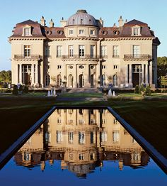 Railroad car heiress Harriet Pullman Carolan in 1912 commissioned architect Ernest Sanson and landscape architect Achille Duchêne, both of France, along with San Francisco architect Willis J. Polk to create her 98-room Beaux Arts château  she named The Carolands. Hillsborough, Ca.