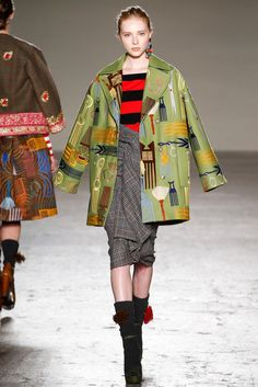 Stella Jean Fall 2015 Ready-to-Wear - Collection - Gallery - Style.com  http://www.style.com/slideshows/fashion-shows/fall-2015-ready-to-wear/stella-jean/collection/16