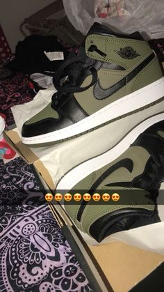 Air Jordan Retro 1 Mid Olive Canvas - { s n e a k s } - - Cute Sneakers, Sneakers Mode, Sneakers Fashion, Shoes Sneakers, Air Jordan Sneakers, Winter Sneakers, Retro Sneakers, Jordans Sneakers, Fashion Outfits