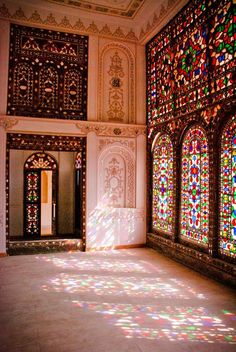 Art - Windows & Stained Glass - Tamizi Home - Isfahan - Iran Architecture Antique, Persian Architecture, Beautiful Architecture, Art And Architecture, Voyage Iran, Teheran, Iran Travel, Persian Culture, Iranian Art
