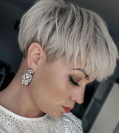 Super Short Hair, Short Grey Hair, Short Hair With Layers, Short Blonde, Short Hair Cuts For Women, Short Wedge Haircut, Edgy Short Haircuts, Short Wedge Hairstyles, Pixie Hairstyles
