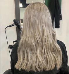 platinum white blonde, highlights. Lvl Lashes, Keratin Complex, Hair And Beauty Salon, White Blonde, Platinum Blonde, Blonde Highlights, Best Brand, Loreal, Stylists