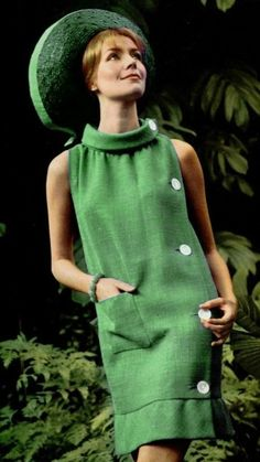 Green - 1965 Pierre Cardin - Gina W. Fashion 60s, Seventies Fashion, Green Fashion, Fashion History, Fashion Dresses, Vintage Fashion, Vestidos Vintage, Vintage Dresses, Vintage Outfits